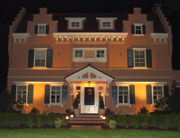 Four reasons why you should install outdoor lighting grandview even though the holidays might be over it doesnt mean the lights have to go out at your house in fact simply adding a few strategic outdoor lights aloadofball Images